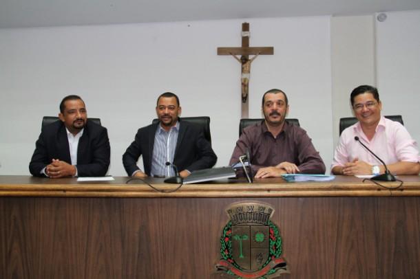 Comissão de Finanças da Câmara de Taboão da Serra debate LDO em audiência. (Foto: Cynthia Gonçalves / CMTS)