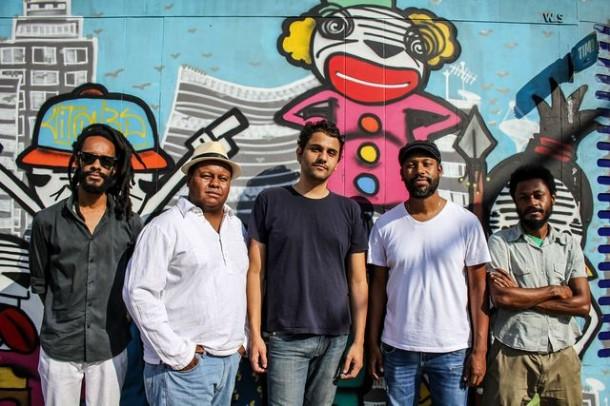 Esquema B é uma das bandas do Festival Rotações que acontece nos dias 11 e 12 de julho (Foto: Divulgação / Nego Junior).