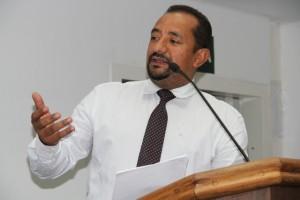 Presidente da Câmara, Cido, defende o refinanciamento da dívida da Prefeitura com a TaboãoPrev. (Foto: Cynthia Gonçalves / CMTS)