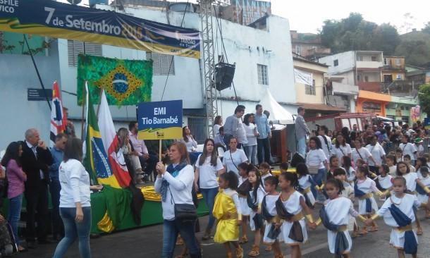 Escolas da rede municipal fizeram bonito durante o Desfile Cívico (Foto: Taboão em Foco)