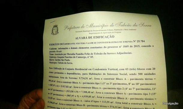 Trecho do Alvará de Edificação assinado pelo prefeito Fernando Fernandes.