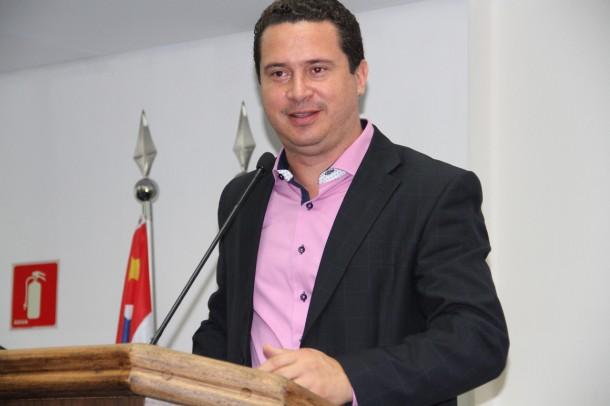 Já Eduardo Nóbrega reclamou à presidência, que puniu Lune. (Foto: Cynthia Gonçalves / CMTS)