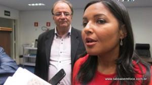 Joice Silva durante entrevista após audiência na Câmara.