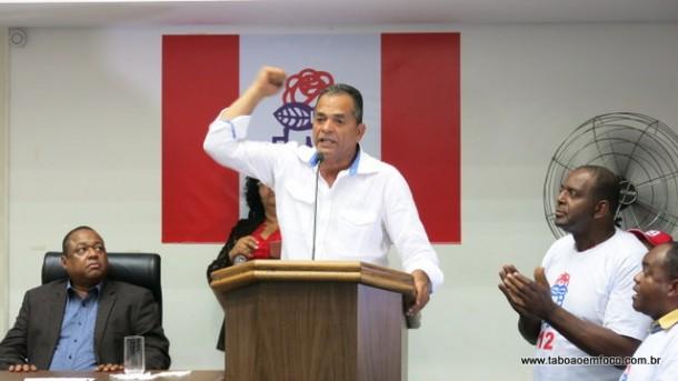 Ex-vereador José Luiz Eloi não poupou críticas ao prefeito Fernando Fernandes.