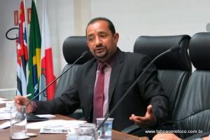 Cido divulga a relação dos servidores da Câmara de Taboão da Serra com as devidas referências. (Foto: Arquivo)