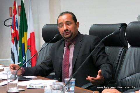 Presidente Cido devolve à Prefeitura o valor de R$ 826 mil economizados no ano de 2015. (Foto: Arquivo)
