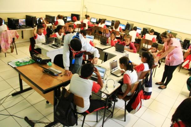 Khan Academy está entre as atividades que acontecem do Matematicando no Parque das Hortênsias (Foto: Ricardo Vaz / PMTS)