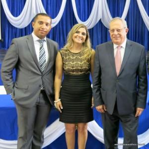 Luciano Palancio, do CIEE, Laura Favero, do Desenvolvimento Econômico, e o palestrante José Augusto Minarelli no Cemur após palestra.