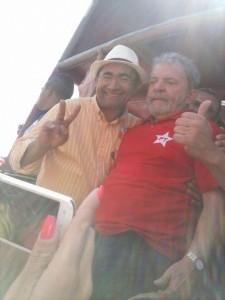 Macário e o ex-presidente Lula durante comício em 2014. (Foto: Reprodução)