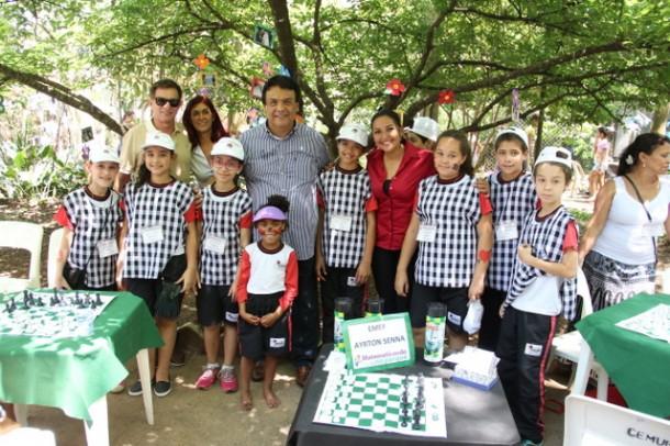 Prefeito Fernando Fernandes prestigiou o evento Matematicando no Parque das Hortênsias que reuniu as Escolas Municipais de Taboão (Foto: Ricardo Vaz / PMTS)