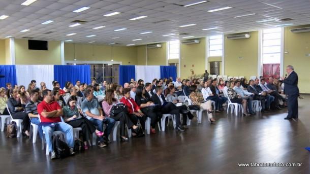 Palestra reforça a importância do marketing a empresários de Taboão da Serra.