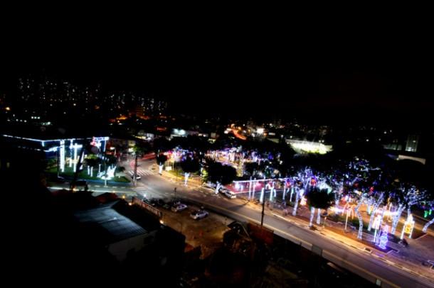 Iluminacao de Natal da Praca Nicola Vivilechio 2015_PMTS