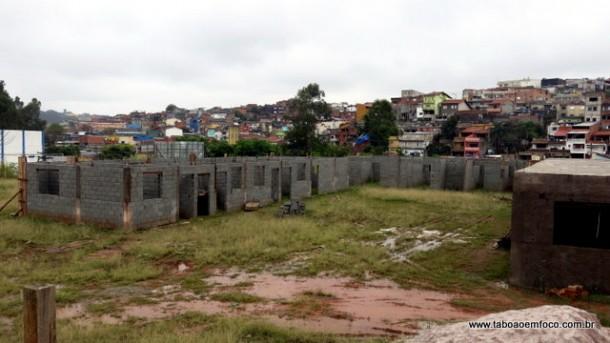 TRISTE REALIDADE: obras do posto do Corpo de Bombeiros estão paralisadas e devem ser retomadas somente em 2016.