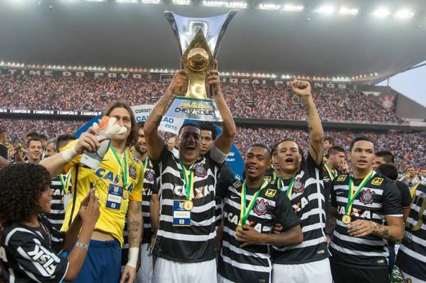 Ralf ergue a taca_Corinthians