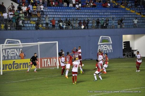 Taboão da Serra faz jogo duro com o São Paulo, mas perde nos penâltis.