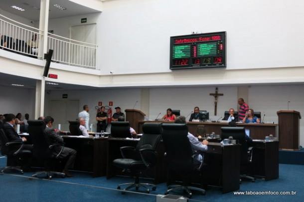 Vereadores governistas impedem a divulgação do número de mortes nos Prontos Socorros de Taboão da Serra.