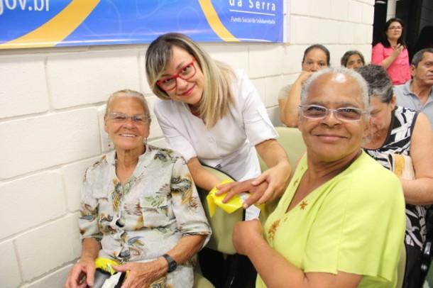 Na última ação de 2015 o Fundo de Solidariedade doou 45 armações para idosos e crianças (Foto: Ricardo Vaz / PMTS)