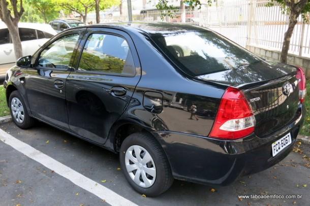 Câmara de Taboão da Serra compra dois veículos, mas não faz a devida identificação.