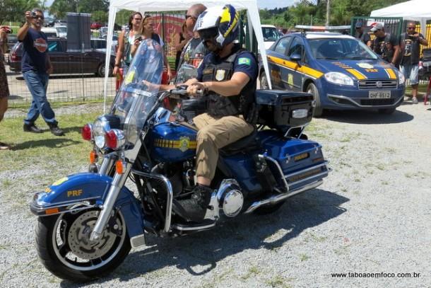 Moto da Policia Rodoviaria Federal na festa do Legionarios de Aco