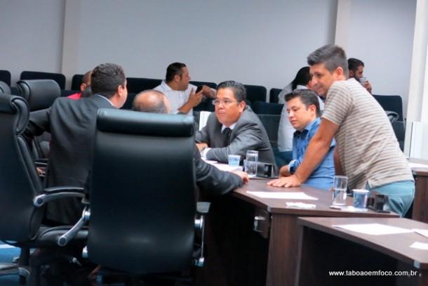 Depois da sessão, governistas só falaram de uma coisa: coligação para eleições de 2016.