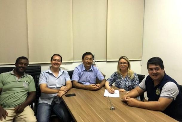 Vereadora Luzia Aprígio surpreende e assina com o PEN após se desfiliar do PSB. (Foto: Divulgação)