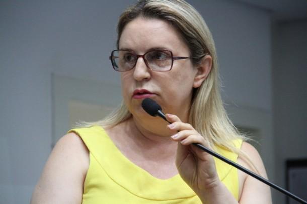 Luzia Aprígio durante o período em que foi vereadora de Taboão da Serra. (Foto: Divulgação / CMTS)
