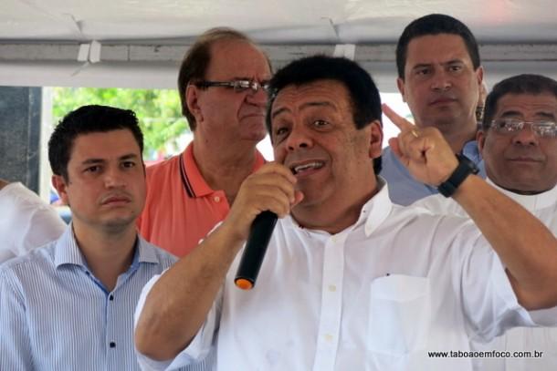 """Fernando chama a oposição de """"covarde"""" e """"inescrupulosa"""" durante inauguração de UBS."""