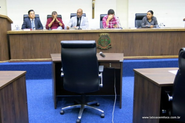 Cadeira onde sentaria Aprígio, que acabou não sendo notificado.