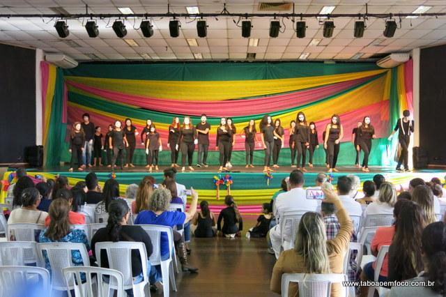 Evento em Taboão da Serra em celebração ao Dia Internacional de Luta contra a Homofobia.