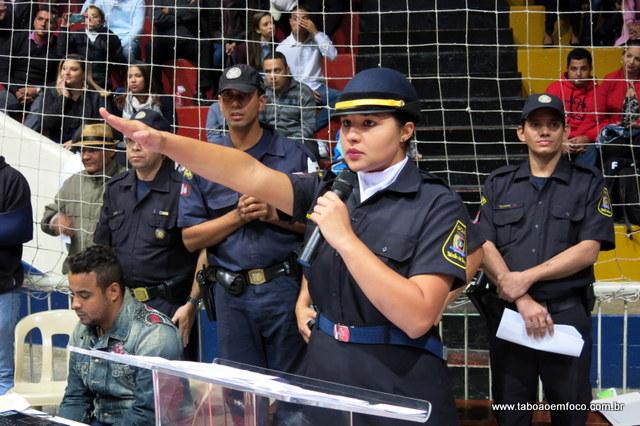 Única mulher da nova turma, a GCM Adriele comandou o juramento dos agentes.