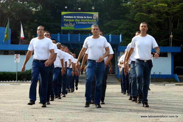 Novos GCM's de Taboão da Serra durante treinamento.