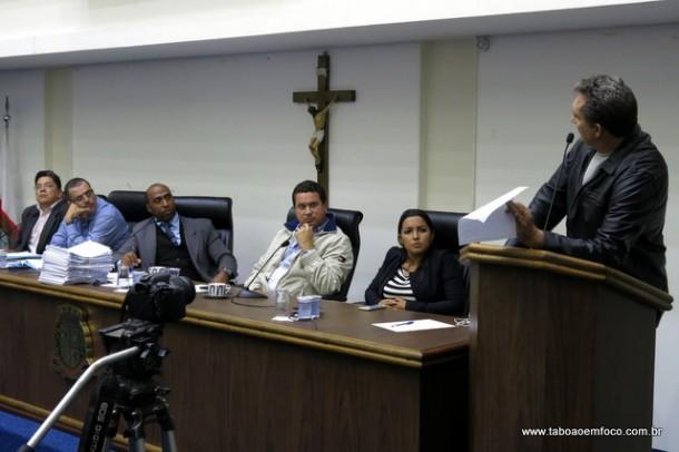 Com ausência dos convocados, CPI da cooperativa  termina com briga entre vereadores.