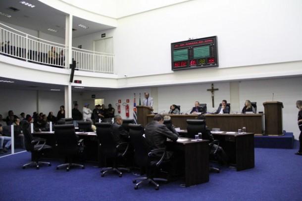 Sem acordo, Câmara de Taboão dá andamento a processo de quebra de decoro contra o vereador Luiz Lune. (Foto: Cynthia Gonçalves / CMTS)