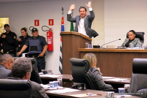 Nóbrega acusa Lune de tentar desviar o foco do pedido de cassação do seu mandato por quebra de decoro.