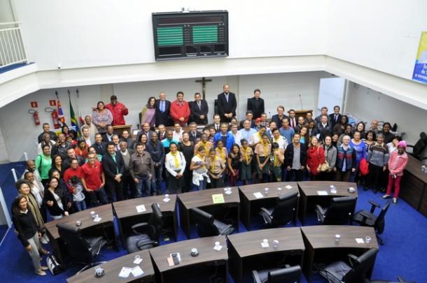 Fórum de Liberdade Religiosa na Câmara de Taboão da Serra reuniu mais de 80 pessoas recepcionadas por Dr. André da Sorriso. (Foto: Divulgação)