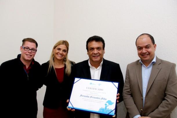 Prefeito Fernando ganha premio de Prefeito Empreendedor do Sebrae_PMTS
