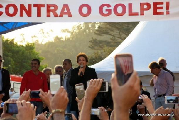 Dilma Rousseff visita apartamentos do Minha Casa Minha Vida em Taboão da Serra.