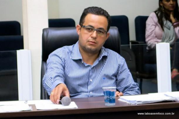 Ex-funcionário do setor de habitação, Márcio Alfredo Ferreira, defende a tese que a Cooperativa Vida Nova realizou loteamento, mas aprovou o processo como desdobro para não deixar área institucional.