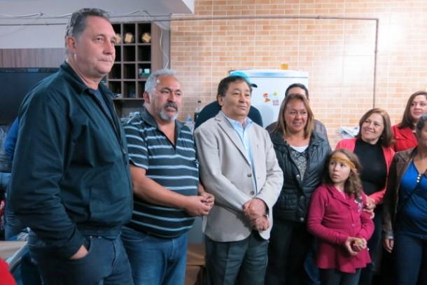 Ao lado do vice Lune, o candidato a prefeito Aprígio fez reuniões com candidatos a vereador. (Foto: Allan dos Reis)