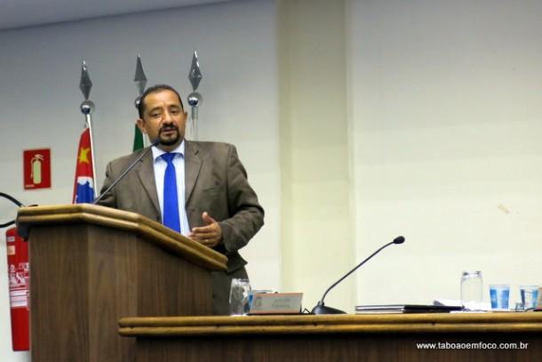 Cido é o autor dos requerimentos, que tiveram a subscrição de mais dois parlamentares.
