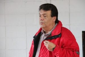 Fernando fará caminhadas só aos finais de semana já que continua despachando na Prefeitura. (Foto: Eduardo Toledo)