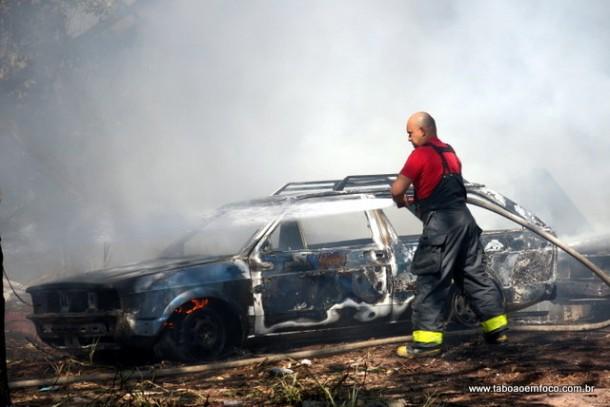 Incendio Carros em Taboao_02