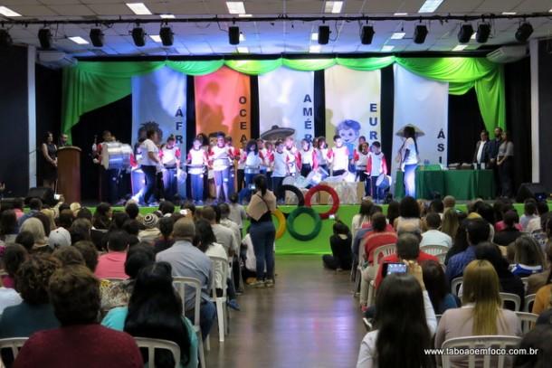 Livro sobre o desfile 7 de setembro, que contou a história das Olimpíadas, foi lançado no Cemur.