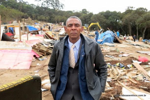 Pato é um dos líderes do movimento e afirma que as famílias vão ficar no terreno na parte que pertence a São Paulo.