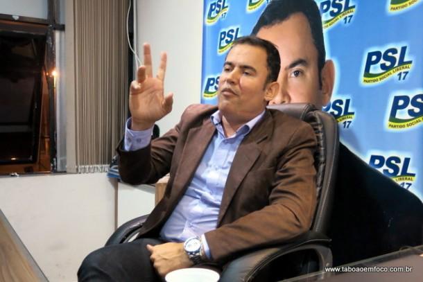 Vitor Medeiros afirma que Evilásio vai abrir mão da candidatura e apoiá-lo com seu grupo.