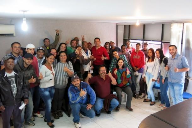 Medeiros e apoiadores após reunião na manhã de domingo. (Foto: Allan dos Reis)