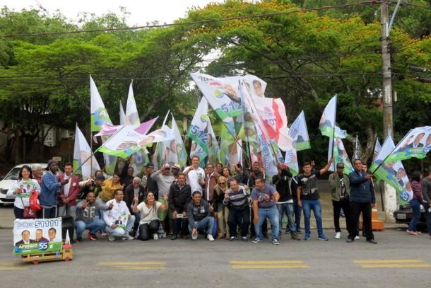 Sem Aprígio, candidato a vice Luiz Lune caminhou pelo Parque Pinheiros. (Foto: Allan dos Reis)