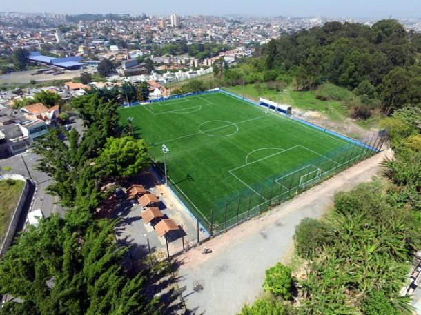 Campo do Marabá Novo ganha grama sintética. (Foto: Divulgação / PMTS)