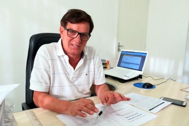 Secretário João Medeiros criticou o candidato a prefeito Aprígio, que disse acreditar que os dados do Ideb foram maquiados ao mostrar Taboão da Serra como a melhor nota da região.