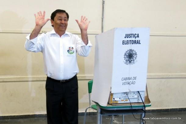Aprígio acha que as urnas eletrônicas podem ter sido manipuladas nesta eleição.